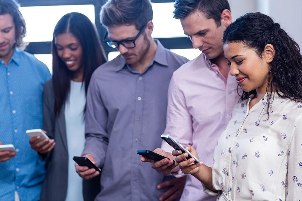 Bijna iedereen digitale tv en smartphone