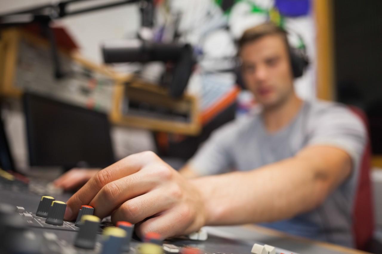 Luistercijfers: kijk uit voor vertrekkende dj's