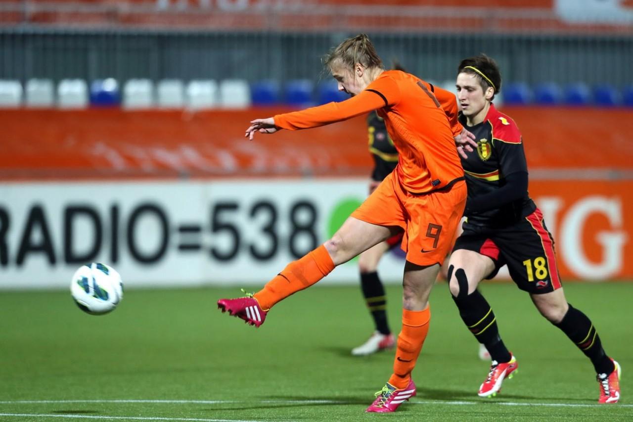 Sponsors vrouwenvoetbal krijgen veel voor weinig