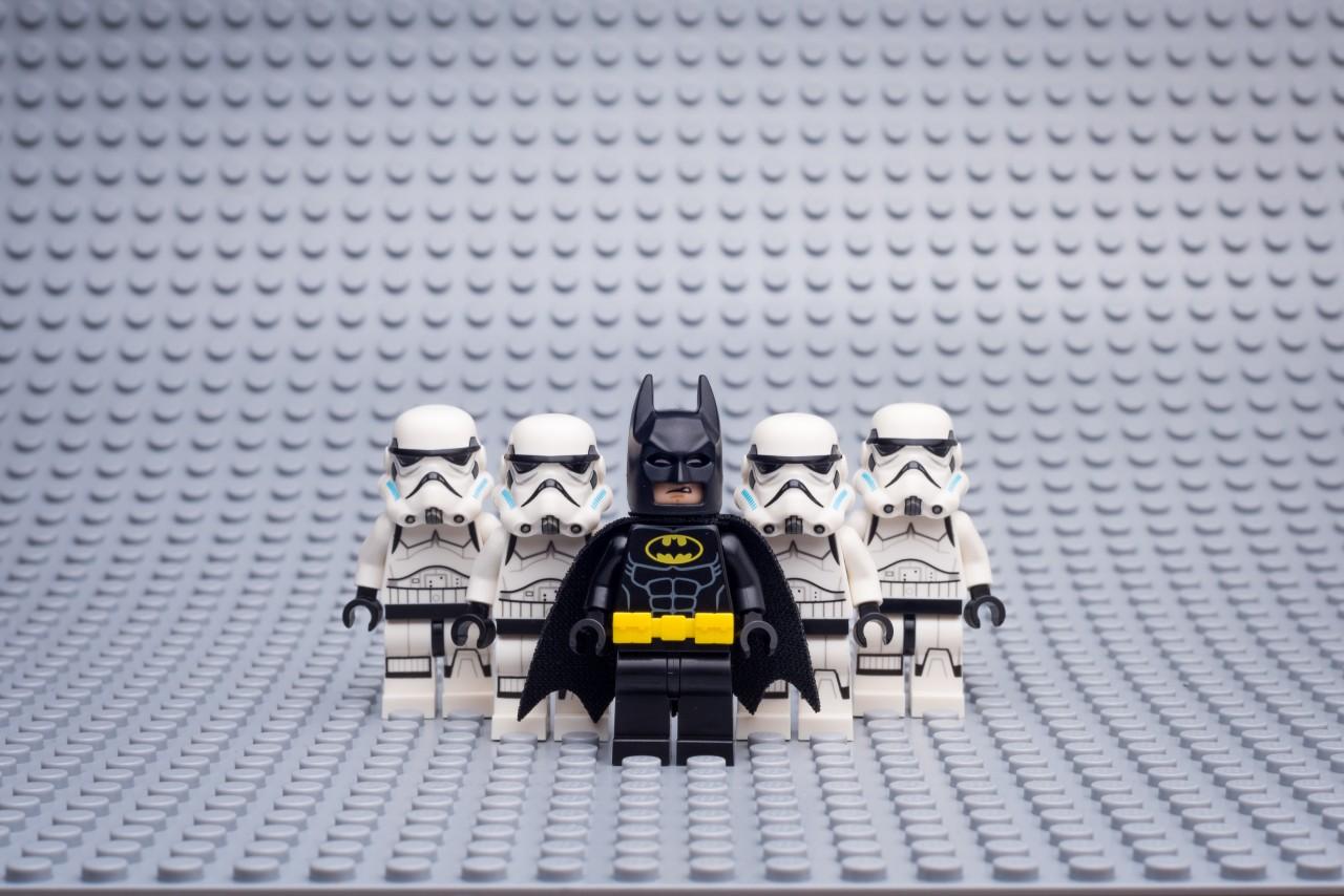 Banen weg bij LEGO
