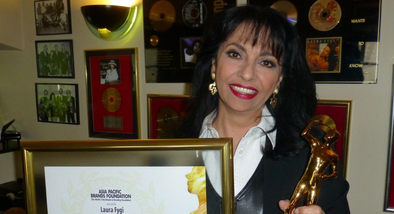 persbericht- Laura Fygi krijgt zelfde prijs als Nelson Mandela en Aretha Franklin